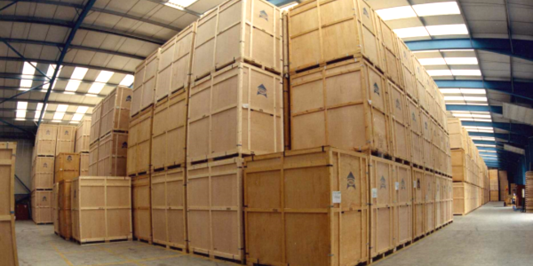 http://mychicagomoving.com/wp-content/uploads/2015/11/STORAGE-CRATES-1080x540.png